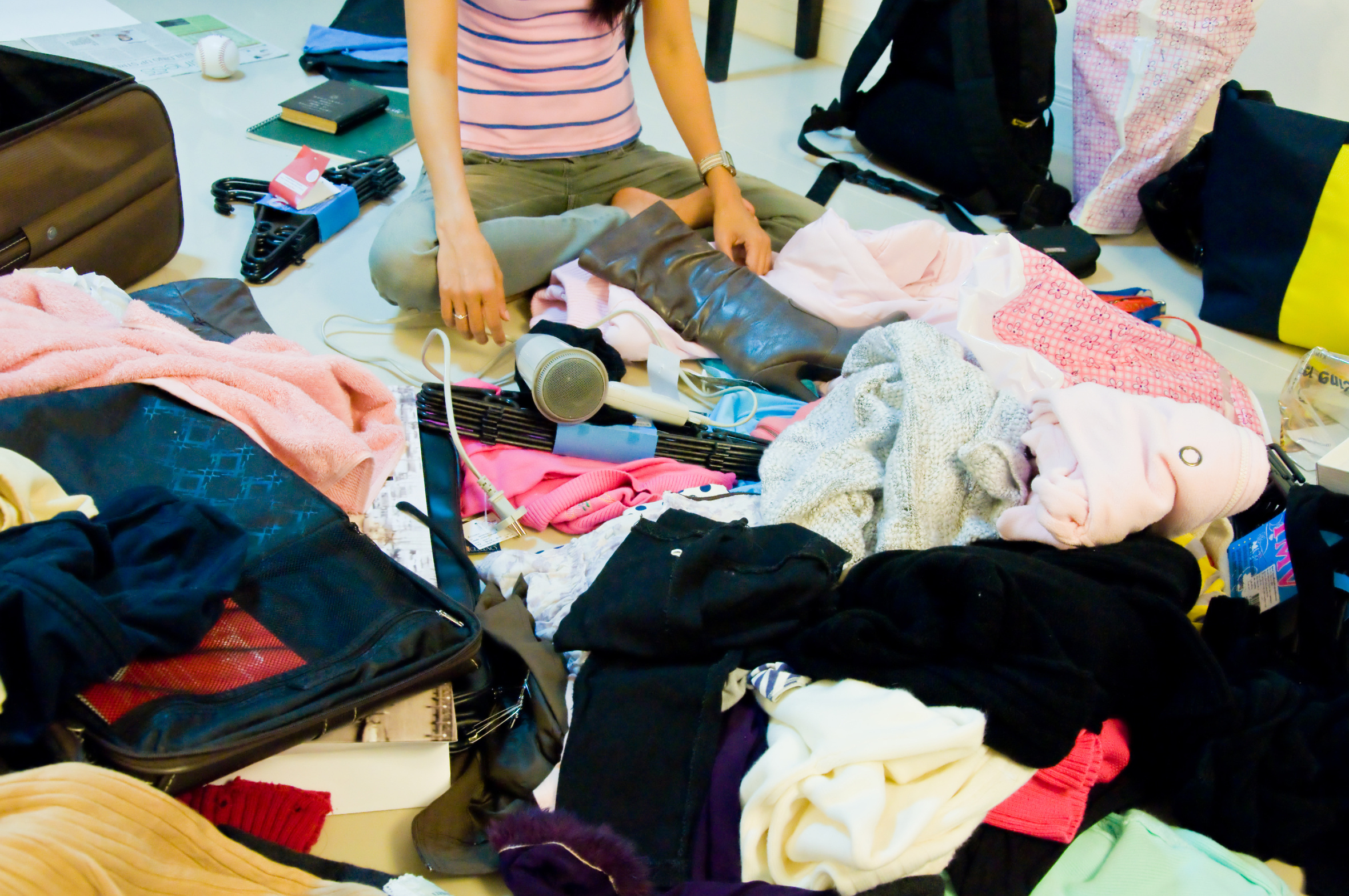 descriptive essay about a messy room